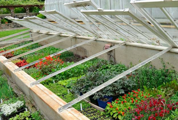 Glass Recycling for Greenhouse Designs, Garden Houses ...