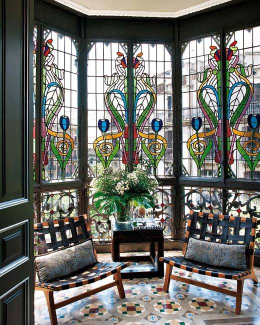 Stained Glass Paintings Designs To Impress And Style Modern Home
