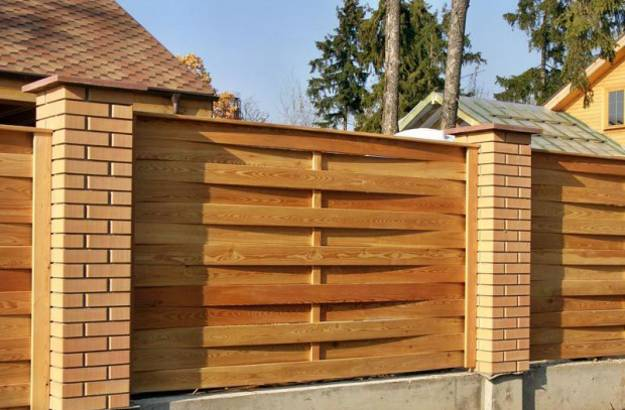 Creative Brick And Wood Fence Design