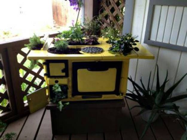 20 Ways To Reuse And Recycle Old Kitchen Stoves For Home