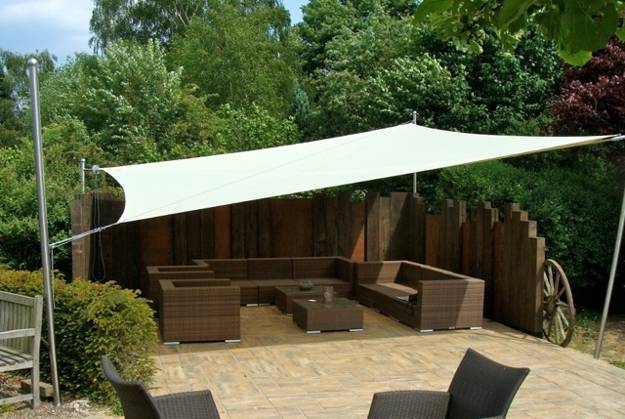 22 cool backyard ideas beautiful light sun shelters and for Small garden shelter