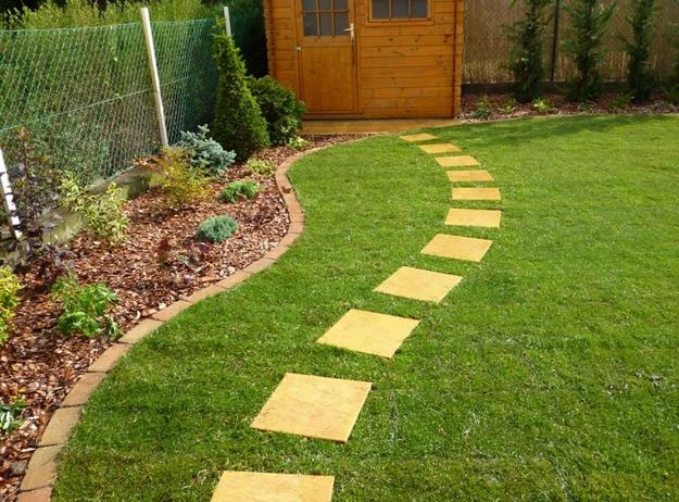 Green Lawns and Bright Yard Landscaping Ideas Celebrating ...