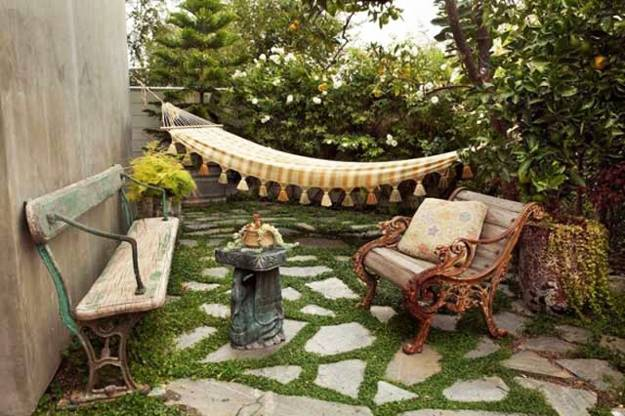 Creative yard landscaping and outdoor lights for small backyard designs & 22 Small Backyard Ideas and Beautiful Outdoor Rooms Staging Homes in ...