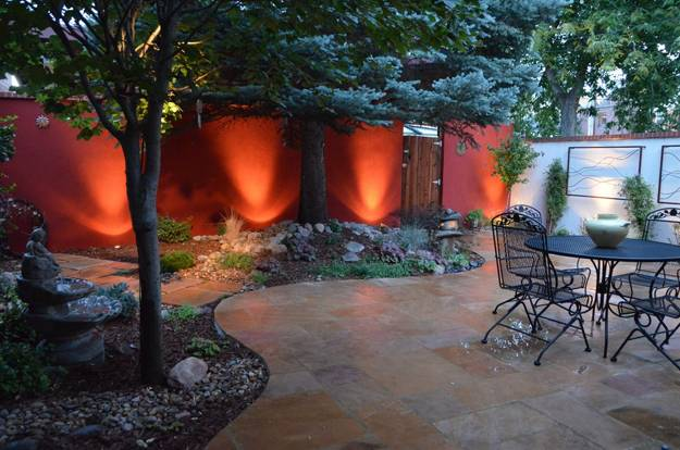 22 small backyard ideas and beautiful outdoor rooms - Small backyard landscape designs ...