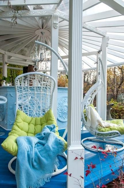 Bright Wooden Gazebo Design And Decor In Vintage Style