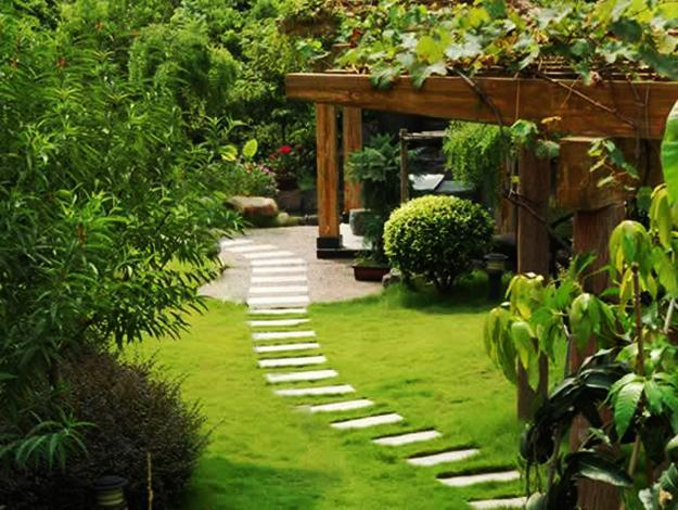 Decorative Garden Stones >> 25 Yard Landscaping Ideas, Curvy Garden Path Designs to Feng Shui Homes
