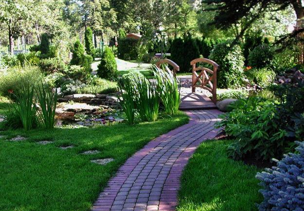 25 Yard Landscaping Ideas, Curvy Garden Path Designs to ...