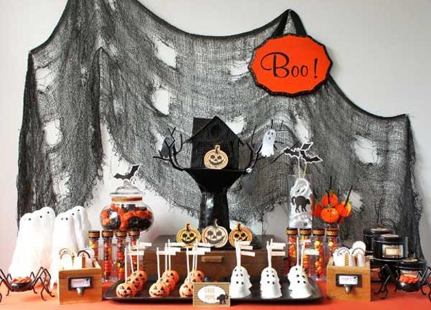 15 Cheap Ideas For Family Friendly Halloween Decorating