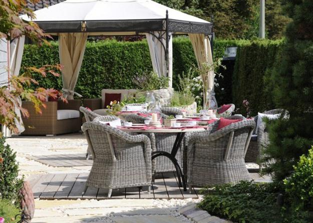 25 Metal Gazebo Designs And Great Outdoor Furniture