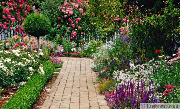 Walkway design with large stepping stones. Beautiful garden with stone path & 30 Stone Walkways and Garden Path Design Ideas
