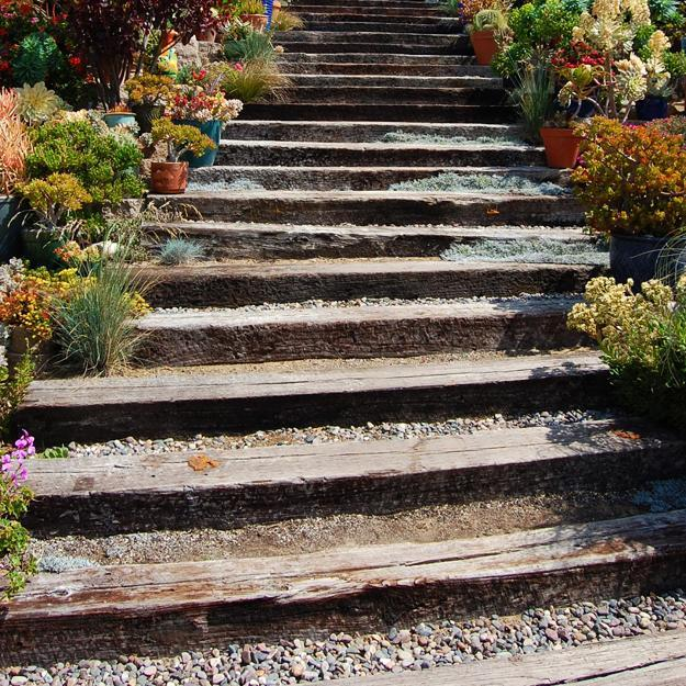 Making A Wonderful Garden Path Ideas Using Stones: 22 Ideas For MIxing Materials To Create Beautiful Yard