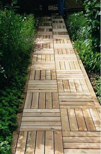 30 green design ideas for beautiful wooden garden paths. Black Bedroom Furniture Sets. Home Design Ideas