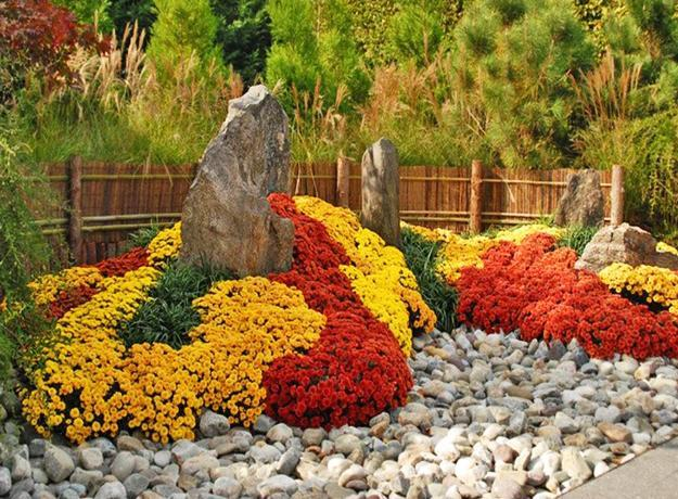 22 Floral Installations And Landscaping Ideas With Mums