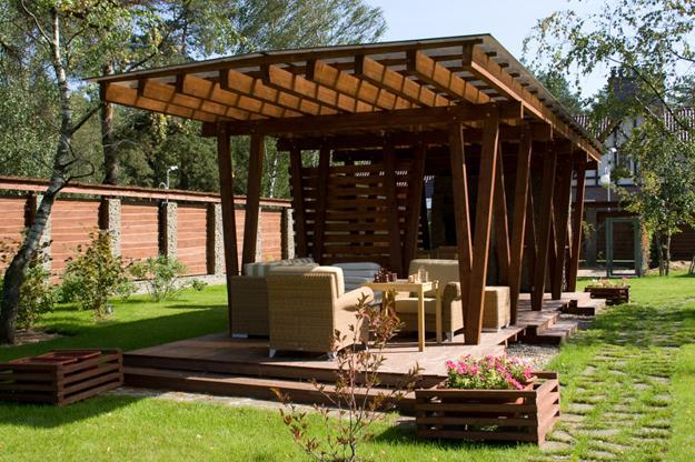 Beautiful outdoor rooms with garden furniture - 22 Beautiful Wooden Garden Designs To Personalize Backyard Landscaping