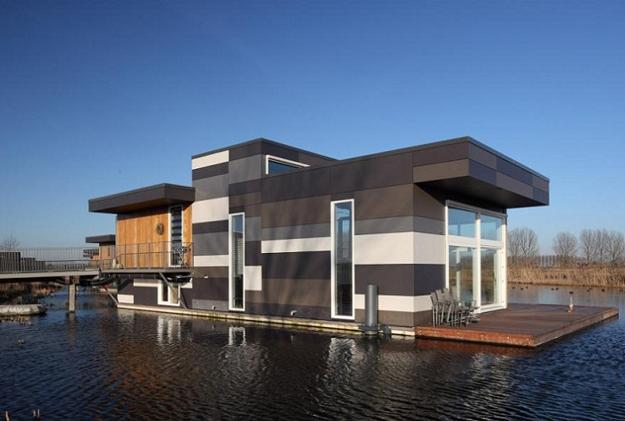 Comfortable Floating Houses In Holland