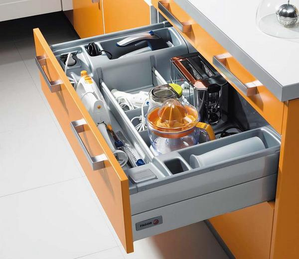 Customized Kitchen Cabinets Drawers With Small Storage Es