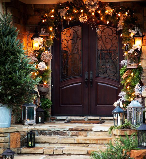 20 inspiring outdoor lights and door decorations for winter - Front Door Entrance Christmas Decoration