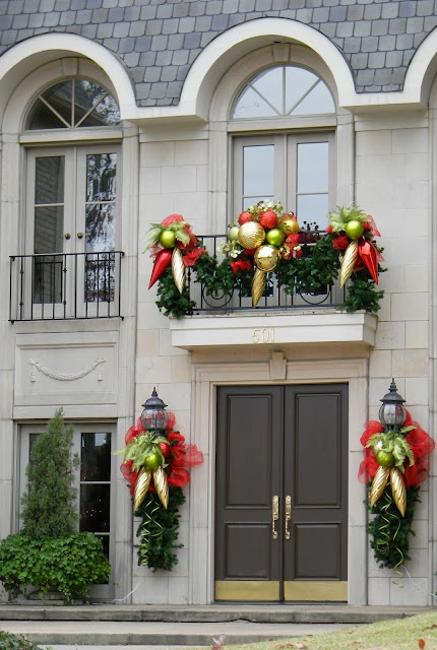 large christmas decorations front door and balcony decorating ideas