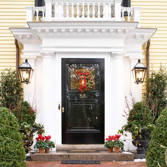 30 Spectacular Front Door Decoration Ideas for Christmas ...