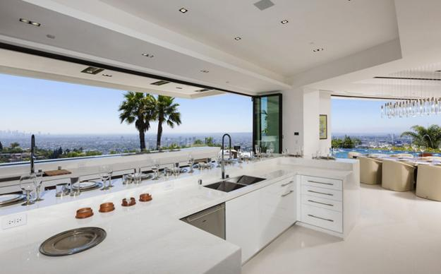 Genial Enormous Modern House With Spectacular Views Of Los Angeles And Unique Decor