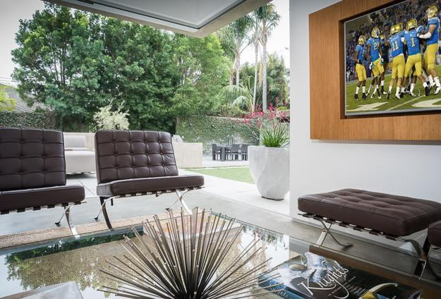 Beautiful Contemporary Home in California with Chic ...