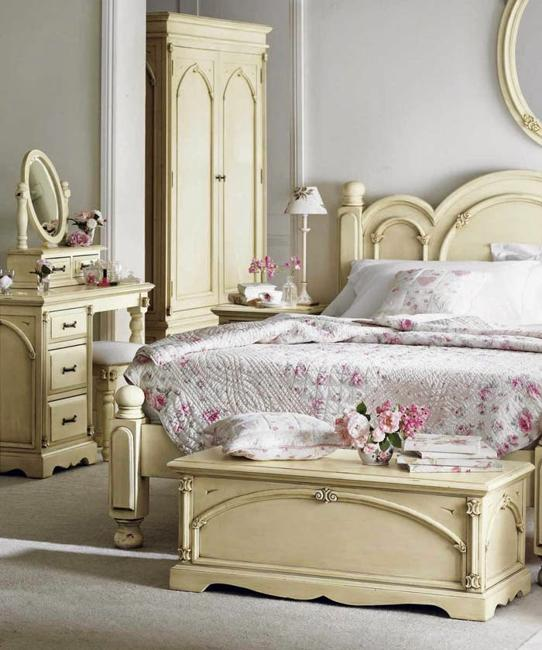 Bed Decorations: 22 Classic French Decorating Ideas For Elegant Modern