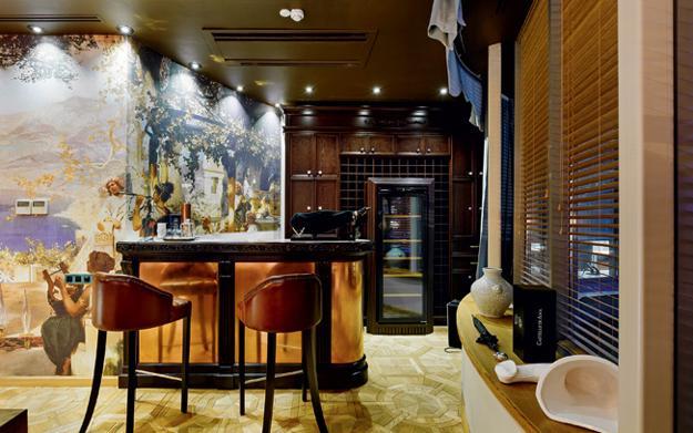 Modern Office Design Blending Elegant Style And Homey Feel With Art