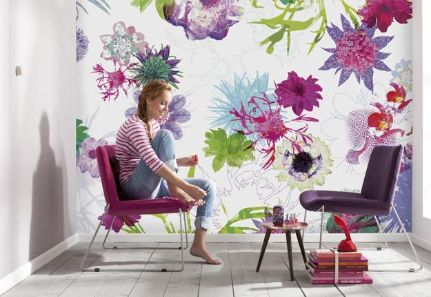 Flower Wallpaper Patterns For Romantic Interior Decorating