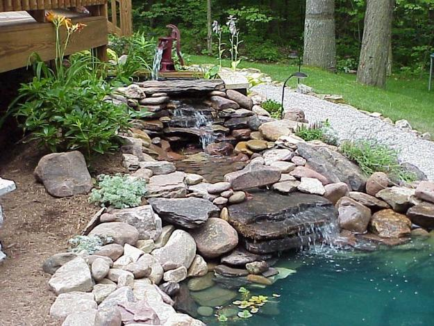 Delicieux Garden Path Along Cascading Waterfall Design