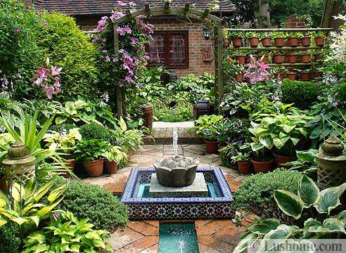 Beautiful Garden Design With Tiled Fountain