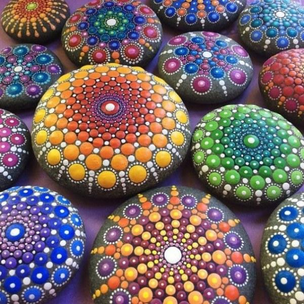 Intricate Art Of Mandala Stones Colorful Rockpainting Ideas