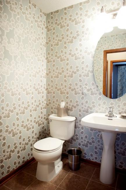 Miraculous Modern Bathroom Design And Decorating With Wallpaper Interior Design Ideas Oteneahmetsinanyavuzinfo