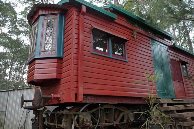 Recycling Old Baggage Cars For Small Country Homes