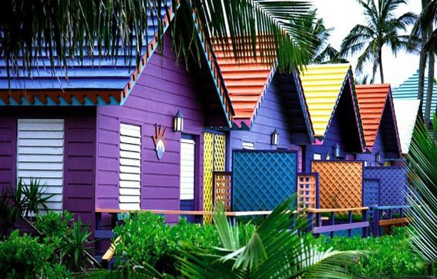 bright exterior paint colors for outdoor home decorating