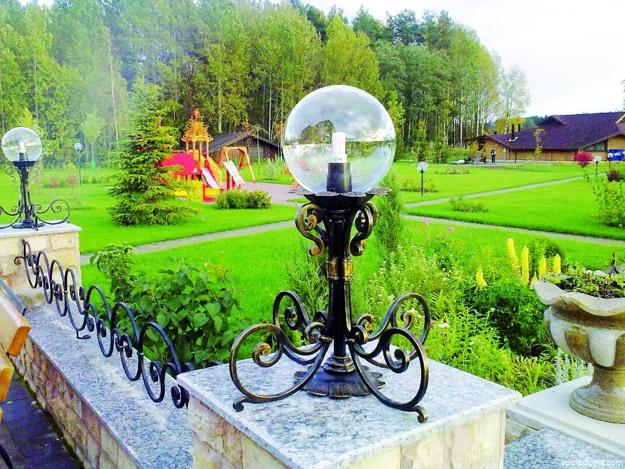25 Unique Backyard Designs, Wrought Iron Furniture and ... on Unique Yard Decorations id=60191
