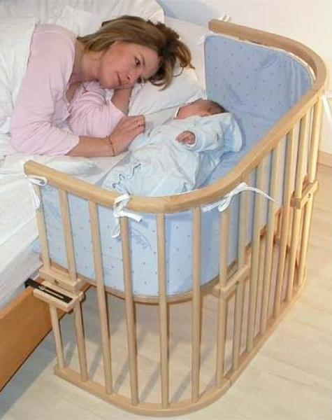 Contemporary Baby Crib Made Of Wood
