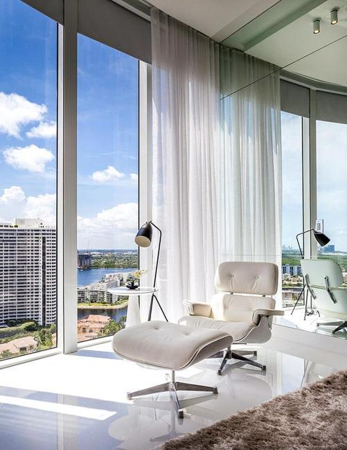 Black and White Decor and Panoramic Windows Adding Chic to Modern ...