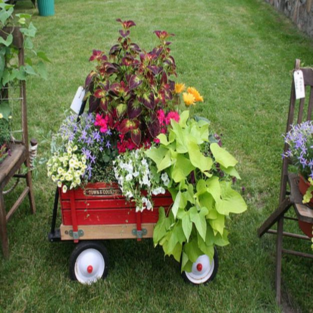 15 Small Handmade Yard Decorations for Creative Garden Design on Lawn Decorating Ideas id=39313