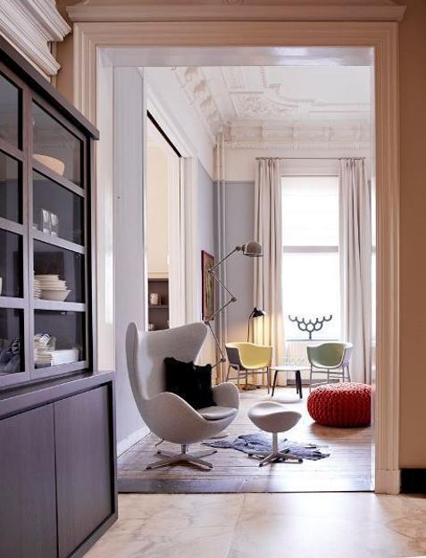 Designer Chairs Swan and Egg Bringing Elegant Past of Retro ...