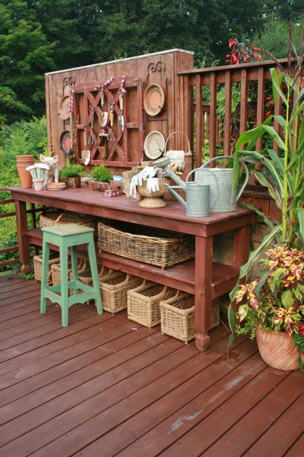 25 Beautiful Potting Bench Design Ideas Creating Convenient ...