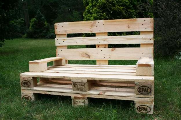 35 Outdoor Furniture And Garden Design Ideas To Reuse And