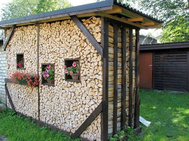 Wood Pallet Fence Ideas Backyards