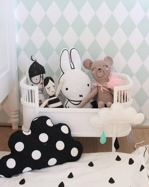 Smart Baby Room Design and Modern Baby Nursery Decorating Ideas