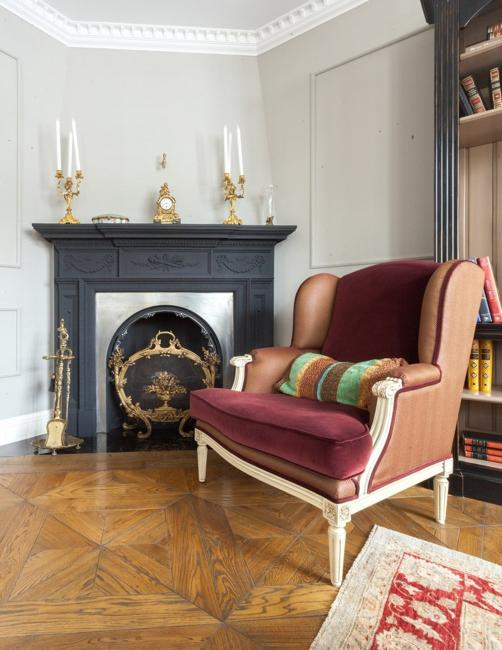 modern interior design in classic style, vintage furniture and decorating ideas in vintage style