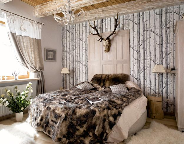 cottage decor ideas, fur and solid wood