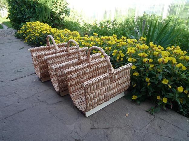 Creative firewood storage ideas turning wood into beautiful yard - Firewood Carrying Baskets And Storage Solutions