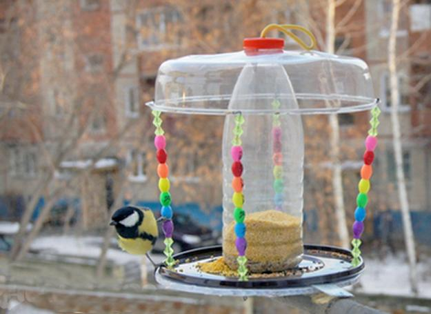 How to recycle plastic bottles for bird feeders creative for Creative recycling ideas for kids