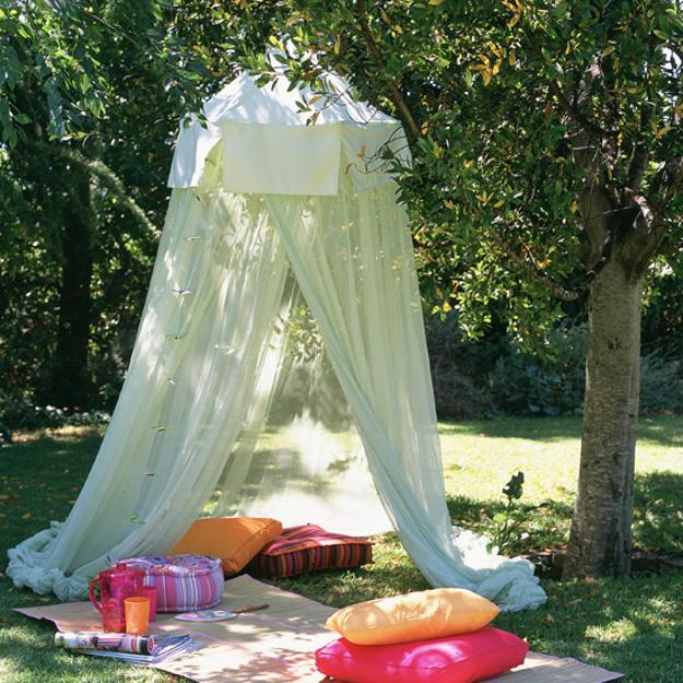 33 Romantic Outdoor Canopies And Tents Made With Mosquito Nets Fabrics Diy Summer Decorating Ideas