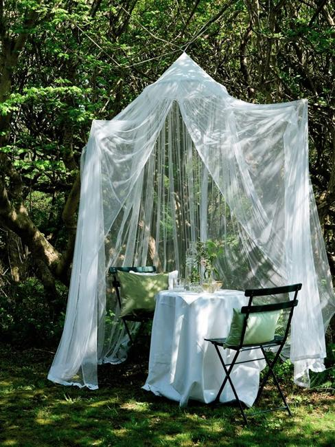 Romantic Room Ideas: 33 Romantic Outdoor Canopies And Tents Made With Mosquito