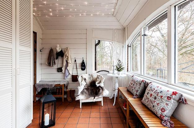 vintage furniture and colorful accents, country home decorating ideas in scandinavian style